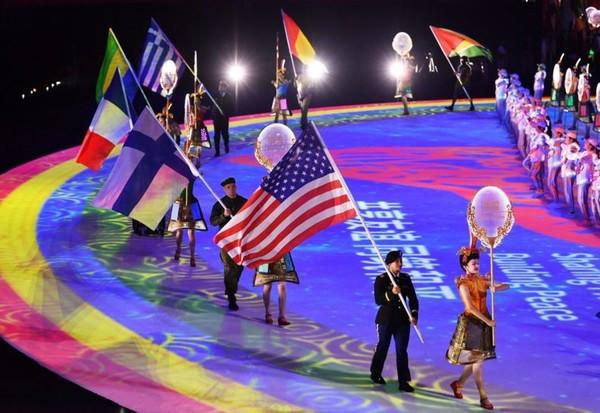 ▲ [이미지 3] 제7회 세계군인 체육대회에 입장하는 각국 기수들(중국 우한, 2019년 10월 18일)