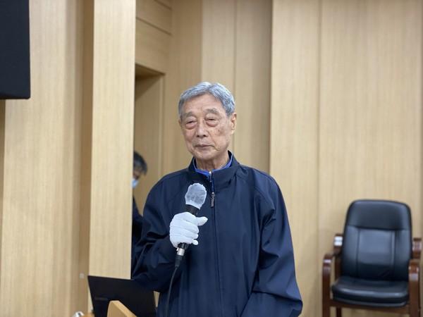 ▲ 호상인사를 하고 있는 김영옥 범민련 고문